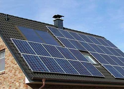 Zelf zonnepanelen reinigen: een goed idee!